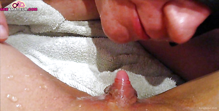video-porno-sosut-lizhut-ogromniy-klitor-porno-zatknul-dirku