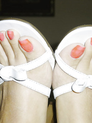100 TOP photo of long toenails in the world