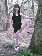 Donna, Worcester Dogging Slag gets naked in the woods