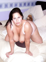 Beautiful female with awesome tits masturbates with corn and speculum
