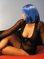 Such a hot ass amateur in blue wig sexy lingerie pics