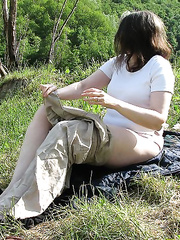 UK housewife in a French Field