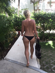 MY WIFES FRIEND IN CANCUN AT A VERY NICE BEACH