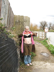 jagguy70's babewife flashing in cambs countryside
