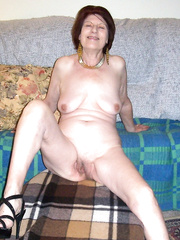 Older Lady who still likes sex with younger studs