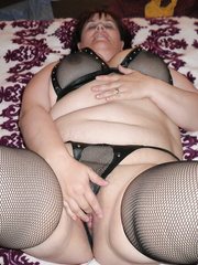 A large beauty with a perverteds side that likes to play with her anal beads