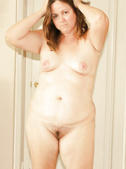 Obese floozy wife shows off her cumbrous shaggy snatch and creampie