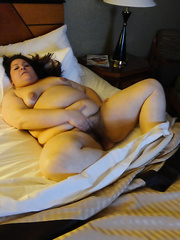 big beautiful woman That likes to widen her legs for pictures
