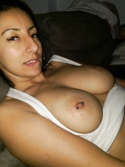 Some more sexy arab body shots, tits mostly