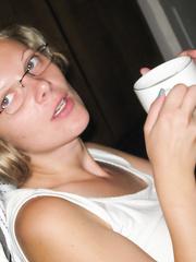 Magda 28 Polish oral-job floozy engulfing rod