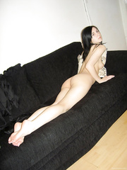 Skinny brunette hair widens her precious snatch on the bed