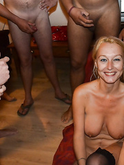 Older blond wench acquires all the jizz of her paramours on your face