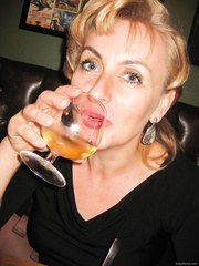 Caroline 40 Polish aged bitch mum
