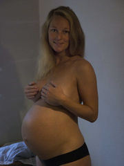 Preggy wife and topless sunbathing images