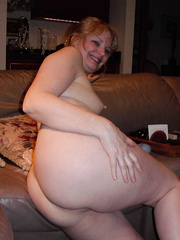 MILF Nude Photos