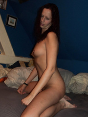 Naked wife revealing herself online to everyone naked exposing her body