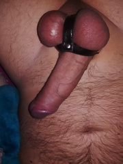 Me naked and horny, I like cock apparatus, will put up more pics as I get into this site