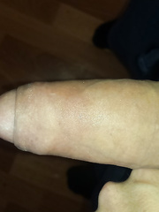 First pic on this site hope you all like it my big cock
