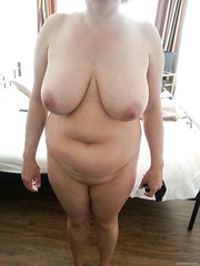 Pralle Ficke BBW amateur pics with large natural breasts naked