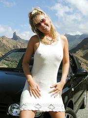 Die ersten privaten Fotos von Yvonne nude outdoors sunbathing