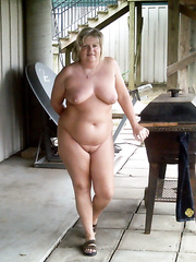 MY HOTTIE WIFE AT THE COMPANY BARBEQUE COMPLETELY NAKED