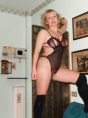 Betty troia di Milano amante delle gangbang e bukkake groupsex