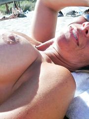 Florida Milf looking to get a rise out of the Beaches nude in public