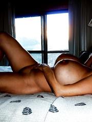 Gise amazing mature babe with big melons sunbathing nude