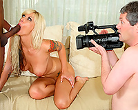 Amateur cuckoldress on camera – interracial Sex