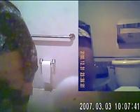 Twin web camera series featuring non-professional Korean hotties in latrine
