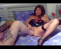 Freaky dark brown milf wife in latex outfit wanted fisting