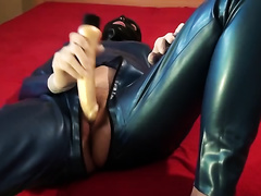 Lascivious virtual hooker in sexy latex outfit is cumming for me