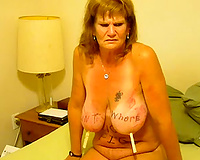Granny receives a n erotic massage in her bedroom