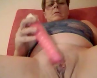Mature Austrian livecam ally test her fresh sex toy