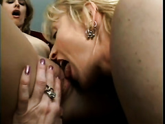 Horny mature slut shows her lesbo ally how to lick a snatch