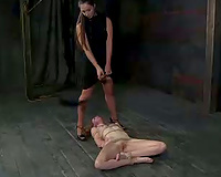 Orgasm lust femdom-goddess is a massive fan of facesitting