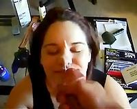 Submissive honey gets a facial jizz flow after oral sex