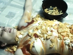 Food fetish homemade solo with a woman putting pasta on her body