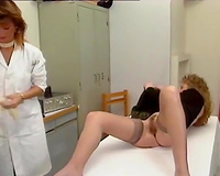 Depraved gynecologist suggests a patient to toy her wet crack