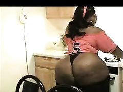 Fantastic black arse bouncing and twerking on intimate tape