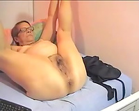 Despite being old this granny hasn't lost interest in masturbating