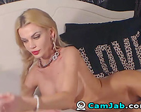 Blonde Babe Fingers and Plays her Clit untill this babe Cums