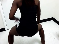 African GF of my cousin twerks and undresses exposing her hawt butt