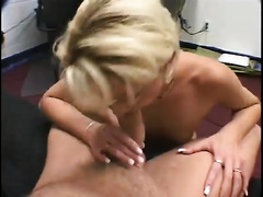 Provocative blond mama acquires immodest with big load on her face