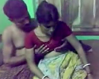 Cute and hesitant Mumbai wifey enticed for sex on webcam