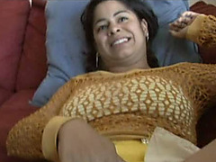 Indian non-professional blowlerina sucks agreeable knob of her BF for cum