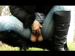 Slutty Jody plays with her snatch at the public park
