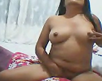 Private webcam performance with a chunky Asian milf