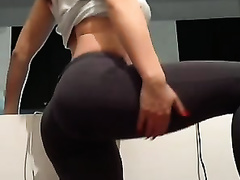 Super duper hawt mulatto sweetheart in sexy constricted leggings undresses in the kitchen