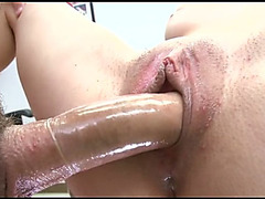Freshly hairless vagina of dilettante hottie receives gangbanged missionary style